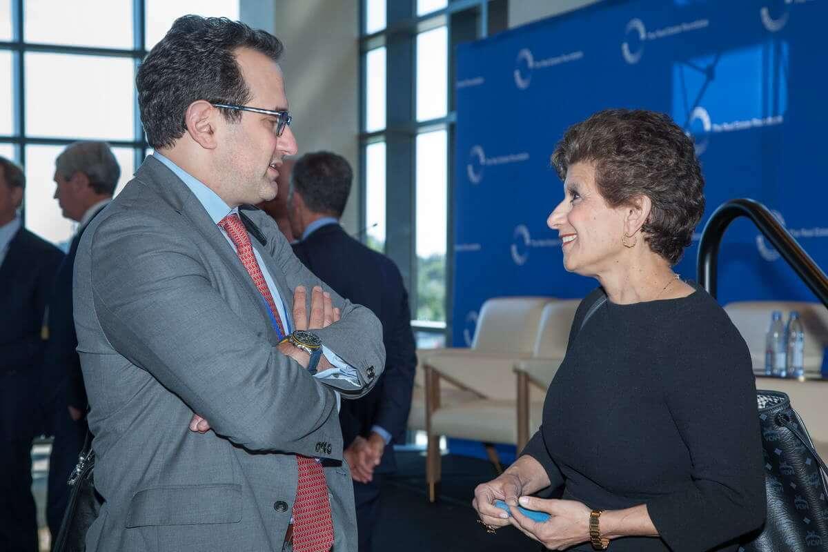Michael Bilerman (Citi Investment Research) and Roundtable Chair Debra A. Cafaro (Ventas, Inc.)