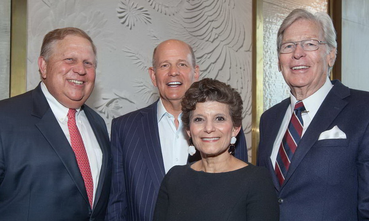 Four Roundtable Chairs in attendance at the 2019 Annual Meeting to recognize the organization's 20th anniversary –  left to right, Randall K. Rowe (1998-2000); Robert S. Taubman (2012-2015); Debra A Cafaro (current); and Nelson C. Rising (2000-2003).